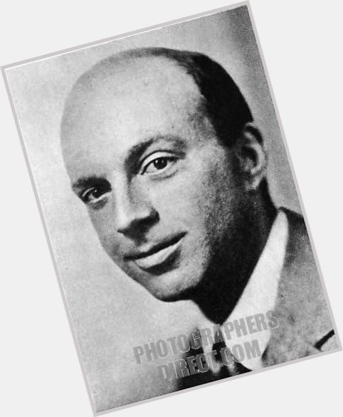 john dos passos John dos passos's 1925 novel manhattan transfer is perhaps best remembered nowadays as a trial run for this same author's usa trilogy, a massive 1,200-page work that would take up most of dos passos's.