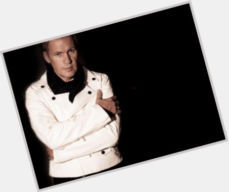 "<a href=""/hot-men/johnny-logan/is-he-married-alcoholic-getrouwd-logans-father-much"">Johnny Logan</a>"