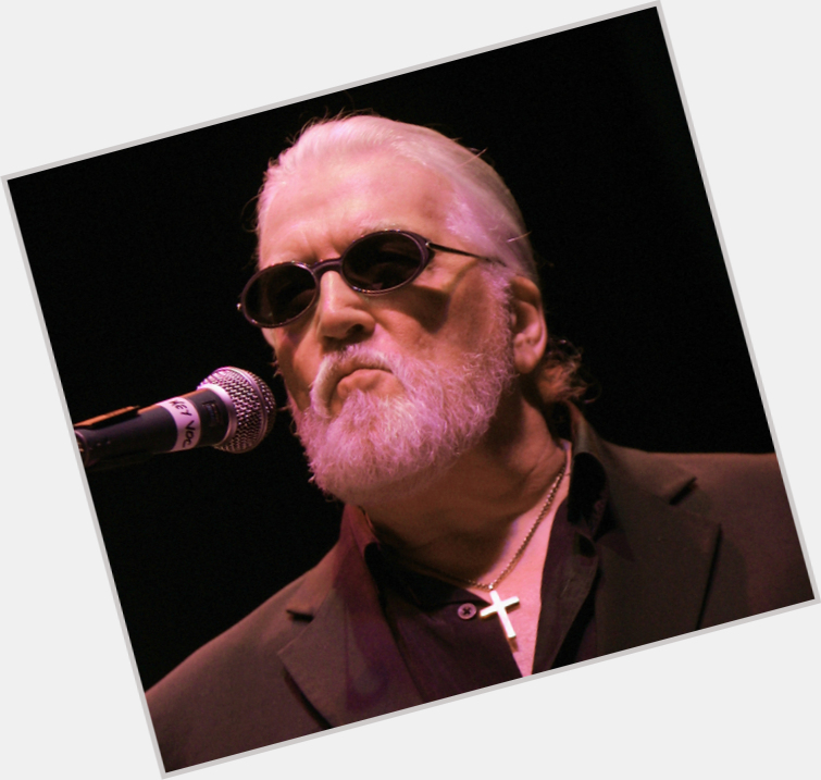 "<a href=""/hot-men/jon-lord/is-he-still-alive-ill-snow-where-buried"">Jon Lord</a> Average body,  bald hair & hairstyles"