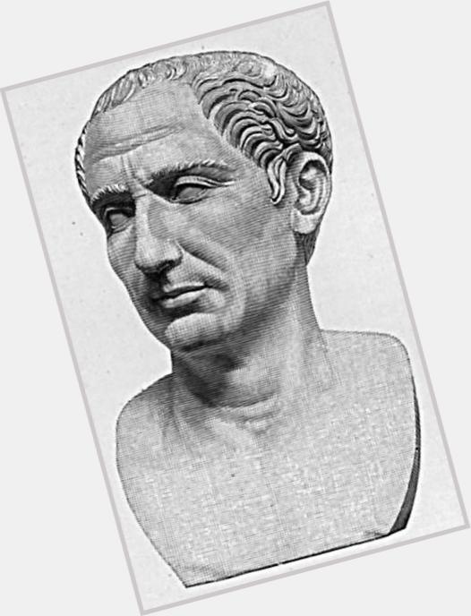 julius caesar statue 1.jpg