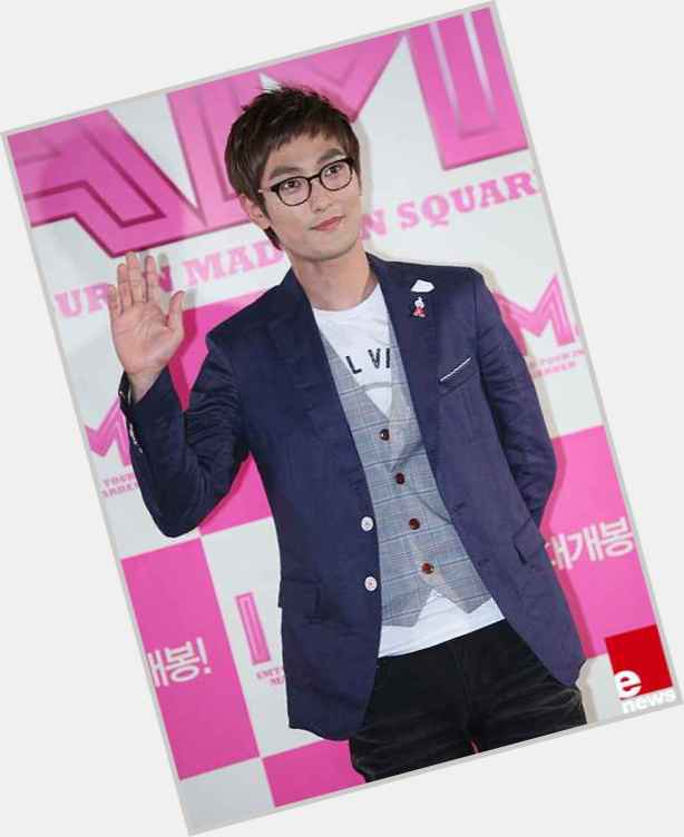 """<a href=""""/hot-men/kang-ta/is-he-what-tao-tae-joon-tapped-out"""">Kang Ta</a> Athletic body,"""