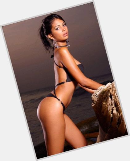 "<a href=""/hot-women/karla-lopez/where-dating-news-photos"">Karla Lopez</a> Slim body,  light brown hair & hairstyles"