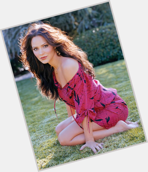 "<a href=""/hot-women/katie-armiger/where-dating-news-photos"">Katie Armiger</a> Slim body,  dark brown hair & hairstyles"