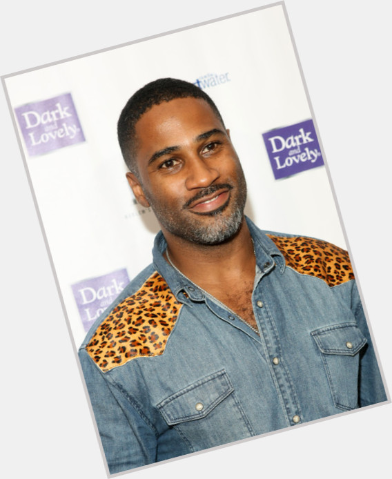 """<a href=""""/hot-men/keith-campbell/where-dating-news-photos"""">Keith Campbell</a>"""