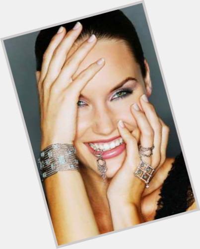 "<a href=""/hot-women/kendra-bentley/where-dating-news-photos"">Kendra Bentley</a> Slim body,  dark brown hair & hairstyles"