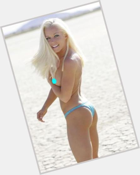 Kendra Leigh Wilkinson sexy 4