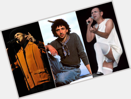 """<a href=""""/hot-men/kevin-rowland/where-dating-news-photos"""">Kevin Rowland</a> Average body,  dark brown hair & hairstyles"""