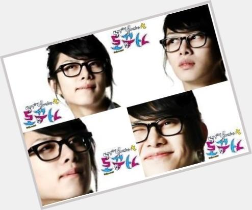 Kim Heechul full body 9.jpg