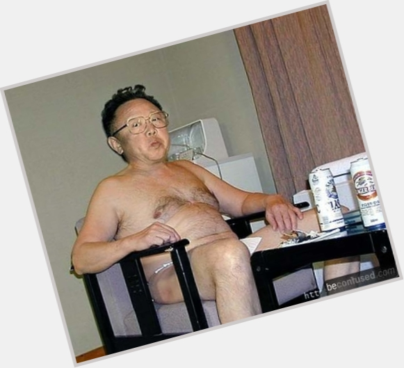 "<a href=""/hot-men/kim-jong-il/where-dating-news-photos"">Kim Jong Il</a> Average body,  black hair & hairstyles"
