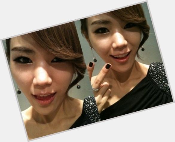 Kim Yeonji hairstyle 5.jpg