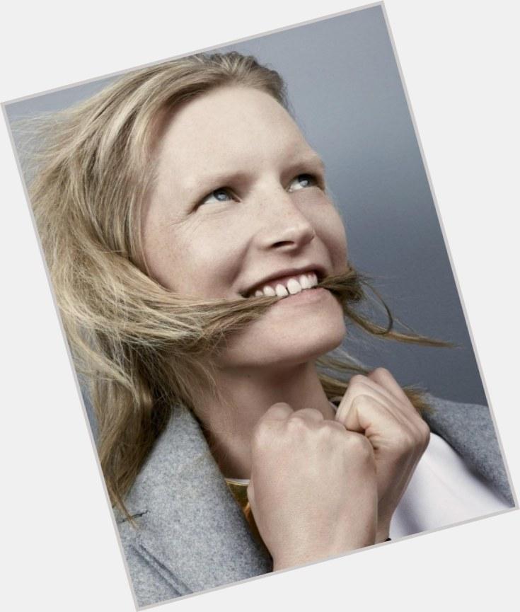 """<a href=""""/hot-women/kirsten-owen/where-dating-news-photos"""">Kirsten Owen</a> Slim body,  blonde hair & hairstyles"""