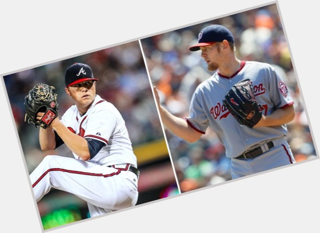 Kris Medlen full body 8.jpg