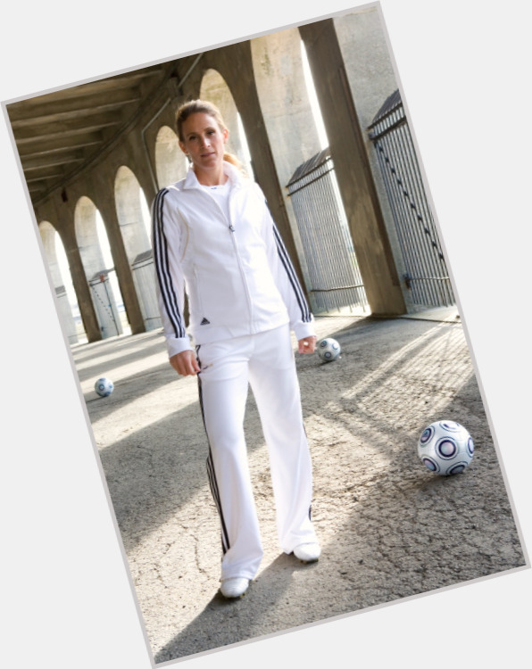Kristine Lilly hairstyle 6