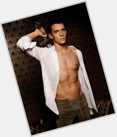 "<a href=""/hot-men/king-henry-viii/is-he-related-prince-william-queen-elizabeth-ii"">King Henry Viii</a> Large body,  dark brown hair & hairstyles"