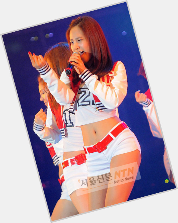 "<a href=""/hot-women/kwon-yuri/is-she-bi-2014"">Kwon Yuri</a> Slim body,  black hair & hairstyles"
