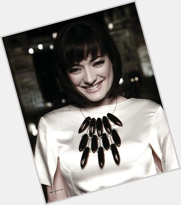 "<a href=""/hot-women/laura-kelly/where-dating-news-photos"">Laura Kelly</a> Average body,  dark brown hair & hairstyles"