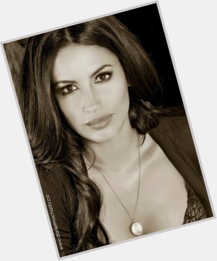 "<a href=""/hot-women/laura-ramos/where-dating-news-photos"">Laura Ramos</a> Slim body,  dark brown hair & hairstyles"