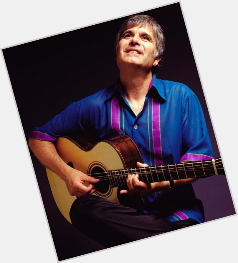 """<a href=""""/hot-men/laurence-juber/where-dating-news-photos"""">Laurence Juber</a> Average body,  light brown hair & hairstyles"""