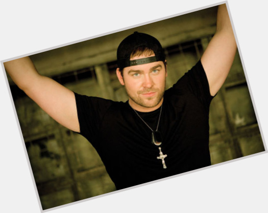 "<a href=""/hot-men/lee-brice/is-he-married-single-dead-related-bo-bice"">Lee Brice</a> Average body,  grey hair & hairstyles"