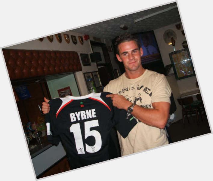 "<a href=""/hot-men/lee-byrne/is-he-married-where"">Lee Byrne</a> Athletic body,  dark brown hair & hairstyles"
