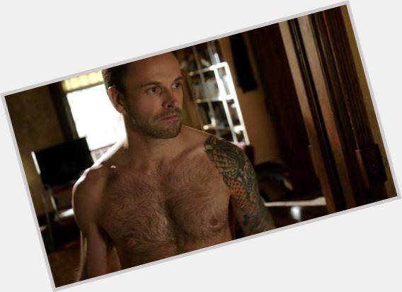 """<a href=""""/hot-men/lee-miller/where-dating-news-photos"""">Lee Miller</a>"""