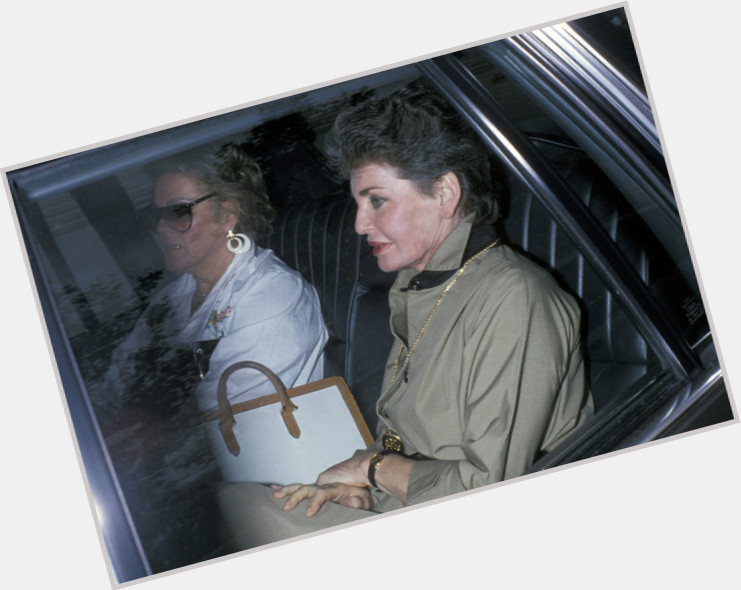 "<a href=""/hot-women/leona-helmsley/where-dating-news-photos"">Leona Helmsley</a> Average body,  dark brown hair & hairstyles"