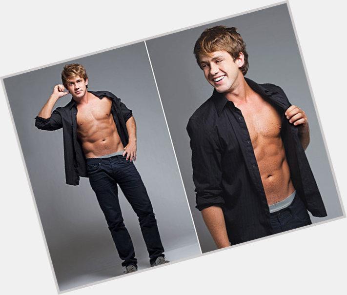 "<a href=""/hot-men/leonardo-miggiorin/where-dating-news-photos"">Leonardo Miggiorin</a> Average body,  blonde hair & hairstyles"