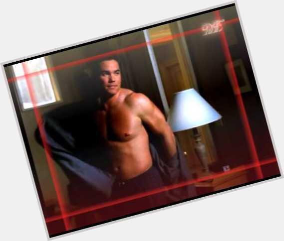 "<a href=""/hot-men/les-cain/where-dating-news-photos"">Les Cain</a>"