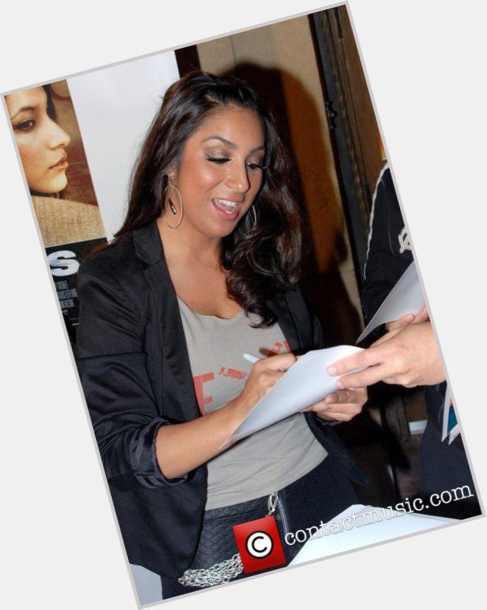 "<a href=""/hot-women/linda-mendoza/where-dating-news-photos"">Linda Mendoza</a>"