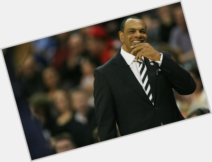 "<a href=""/hot-men/lionel-hollins/where-dating-news-photos"">Lionel Hollins</a>"
