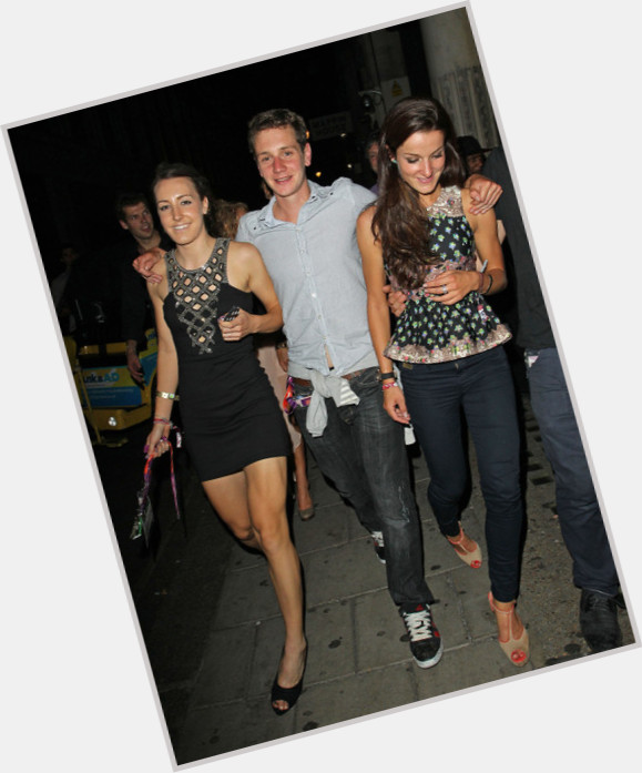 """<a href=""""/hot-women/lizzie-armitstead/where-dating-news-photos"""">Lizzie Armitstead</a> Slim body,  dyed brown hair & hairstyles"""