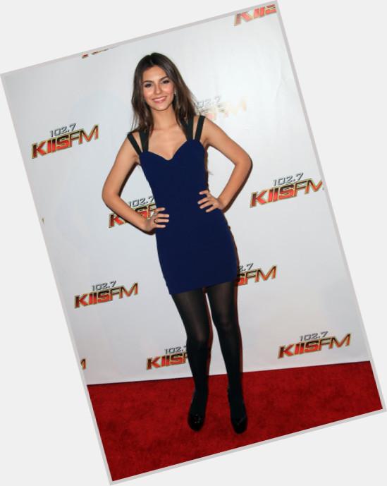 "<a href=""/hot-women/lola-martinez/where-dating-news-photos"">Lola Martinez</a> Slim body,  dark brown hair & hairstyles"