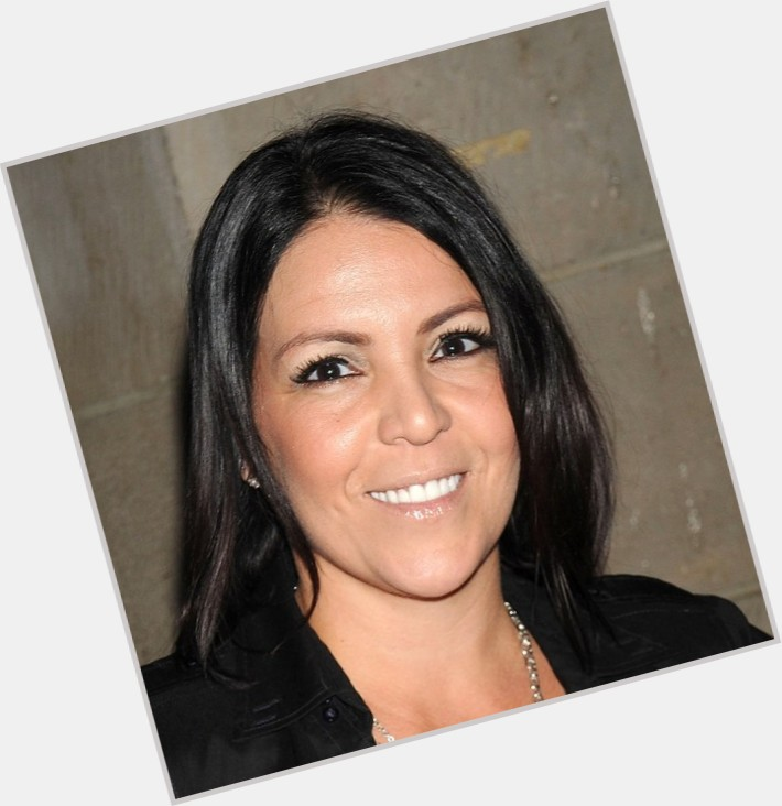 "<a href=""/hot-women/lori-michaels/where-dating-news-photos"">Lori Michaels</a> Slim body,  dyed black hair & hairstyles"