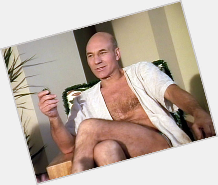 "<a href=""/hot-men/luc-picard/where-dating-news-photos"">Luc Picard</a> Average body,  dark brown hair & hairstyles"