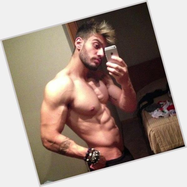 "<a href=""/hot-men/lucas-lucco/where-dating-news-photos"">Lucas Lucco</a> Average body,  black hair & hairstyles"