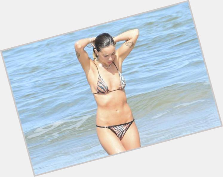 "<a href=""/hot-women/lucia-celasco/where-dating-news-photos"">Lucia Celasco</a> Slim body,  light brown hair & hairstyles"