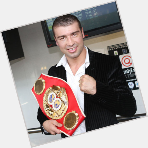 """<a href=""""/hot-men/lucian-bute/where-dating-news-photos"""">Lucian Bute</a> Athletic body,  light brown hair & hairstyles"""