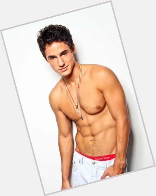 "<a href=""/hot-men/luciano-amaral/where-dating-news-photos"">Luciano Amaral</a> Slim body,  black hair & hairstyles"