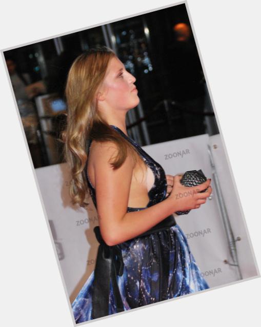"""<a href=""""/hot-women/luna-schweiger/where-dating-news-photos"""">Luna Schweiger</a> Slim body,  blonde hair & hairstyles"""