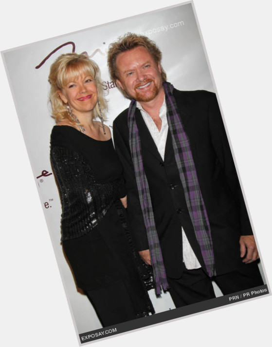 """<a href=""""/hot-men/lee-roy-parnell/is-he-married-if-house-rockin-where-baby"""">Lee Roy Parnell</a> Average body,  light brown hair & hairstyles"""