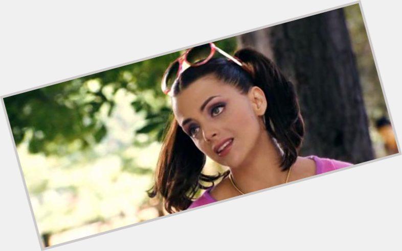 Macarena Gomez hairstyle 5.jpg