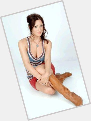 "<a href=""/hot-women/mandy-lambou/where-dating-news-photos"">Mandy Lambou</a> Slim body,  light brown hair & hairstyles"