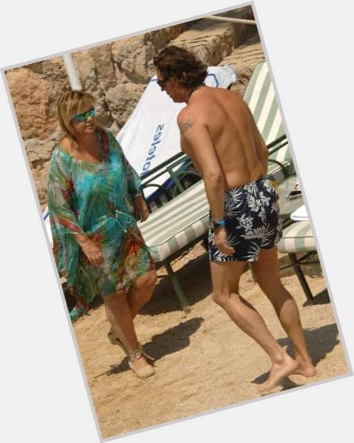 """<a href=""""/hot-women/maria-teresa-campos/where-dating-news-photos"""">Maria Teresa Campos</a>"""