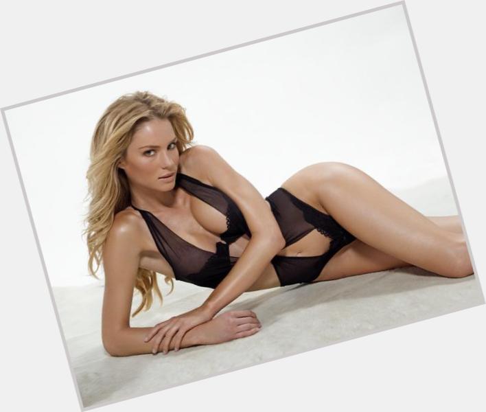 "<a href=""/hot-women/marikym-hervieux/where-dating-news-photos"">Marikym Hervieux</a> Slim body,  blonde hair & hairstyles"