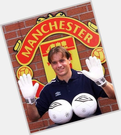 Mark Bosnich full body 11.jpg