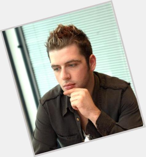 "<a href=""/hot-men/mark-iuliano/where-dating-news-photos"">Mark Iuliano</a> Athletic body,  dark brown hair & hairstyles"