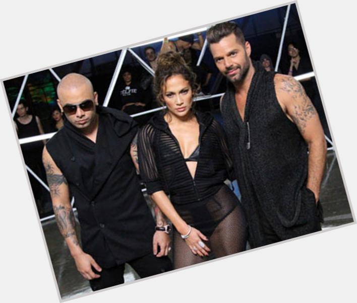 "<a href=""/hot-men/martin-lopez/where-dating-news-photos"">Martin Lopez</a> Average body,  dark brown hair & hairstyles"