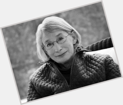 Mary Oliver hairstyle 7