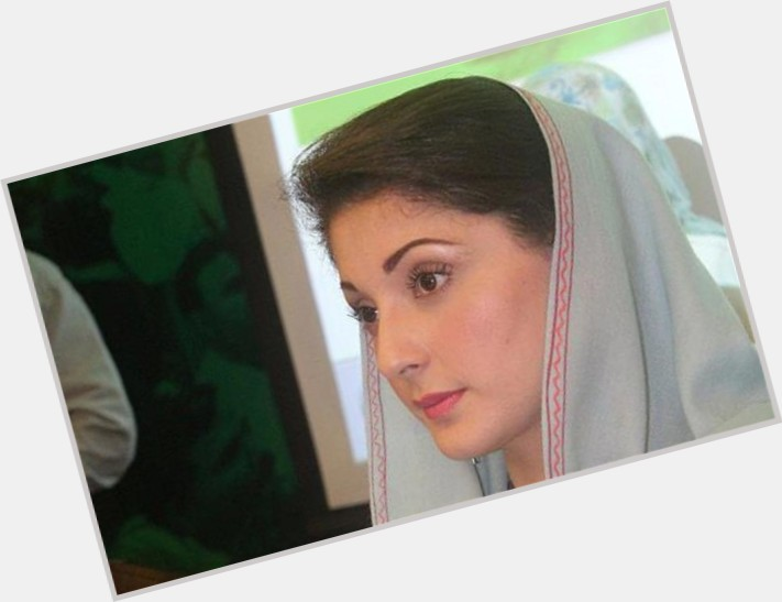 Maryam Nawaz Sharif full body 8
