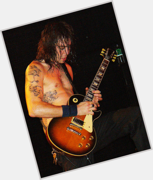 "<a href=""/hot-men/matt-pike/where-dating-news-photos"">Matt Pike</a> Average body,  light brown hair & hairstyles"